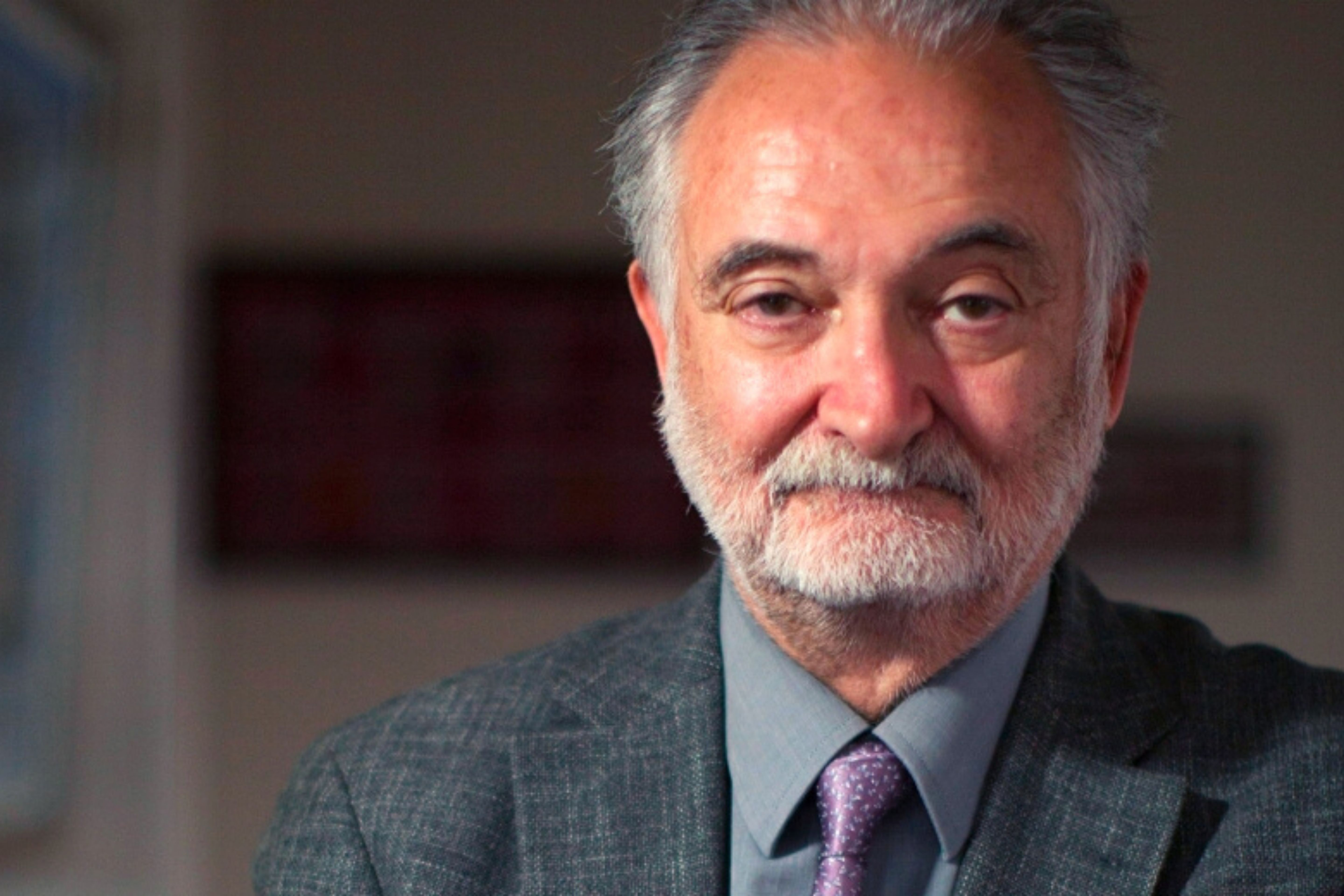 Famous economist Jacques Attali gives precious advice to Moroccan Medical Student Ali Taleb.
