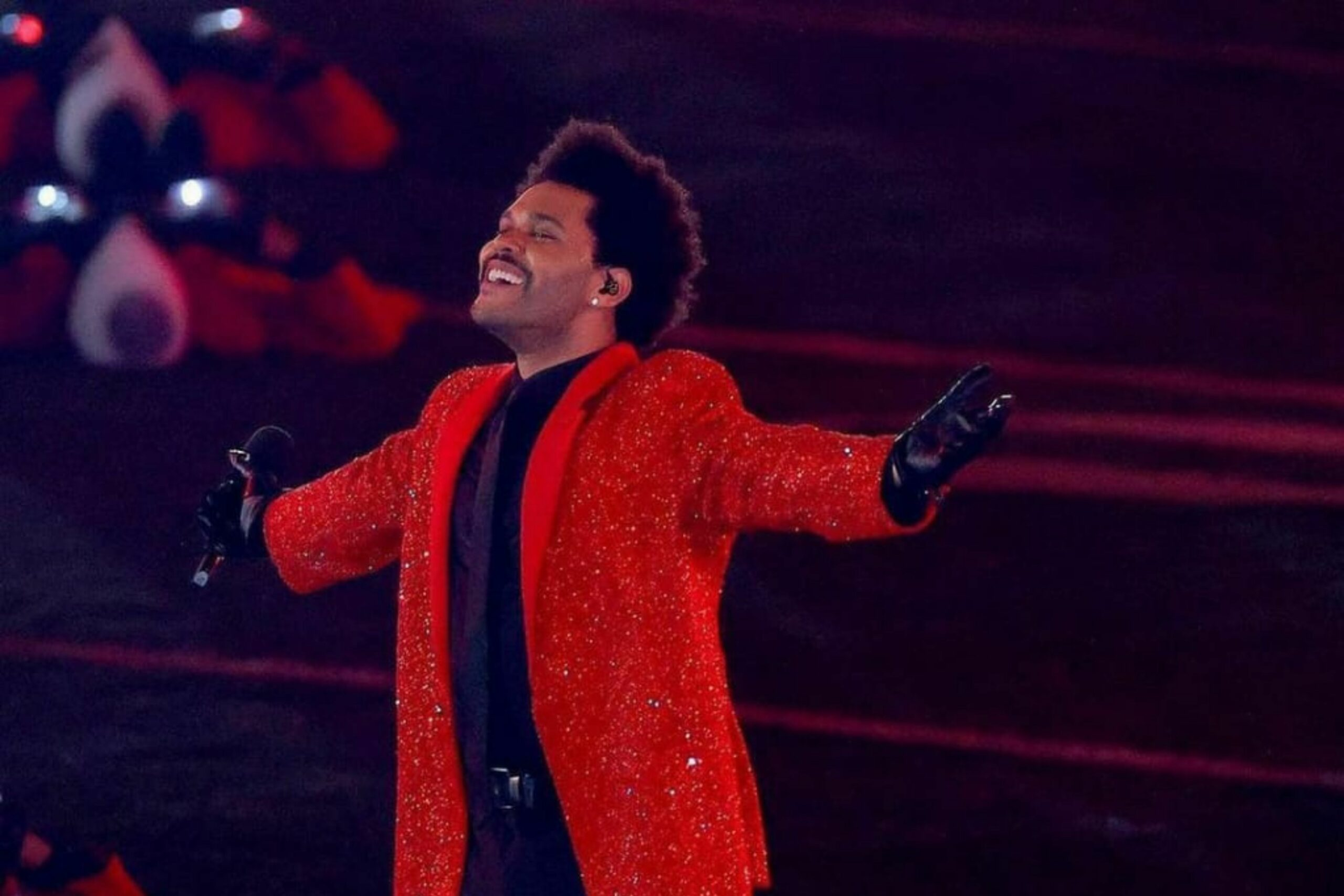 The Weeknd marks the history of Super Bowl with a mind-blowing show.